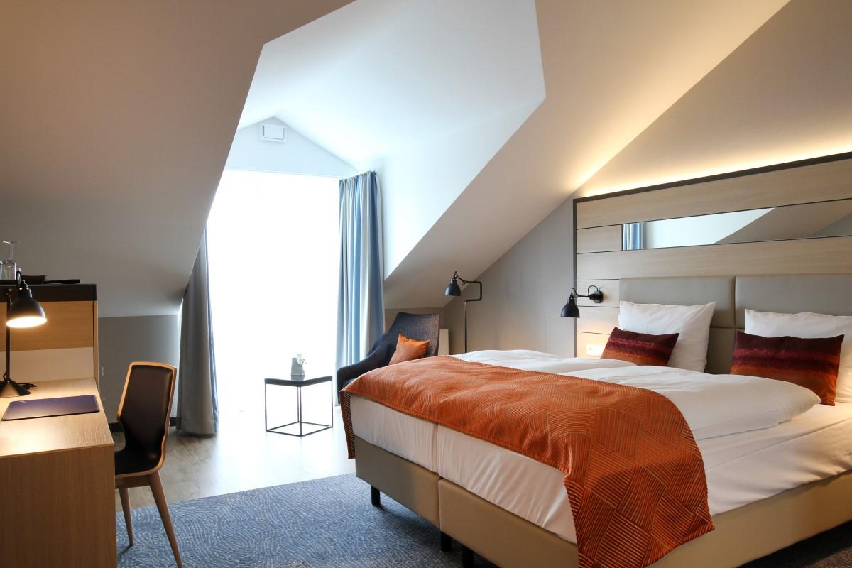 Zimmer suiten und appartements hafenhotel meereszeiten for Superior zimmer